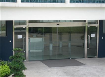 爱立信公司自动平滑门安装