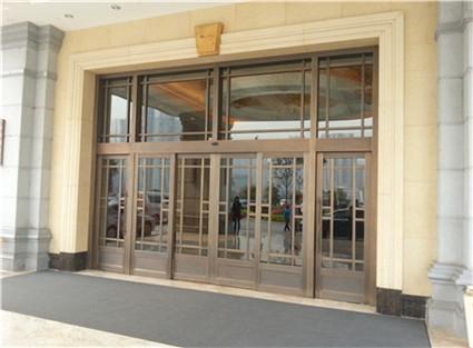 奥维酒店餐厅大门安装