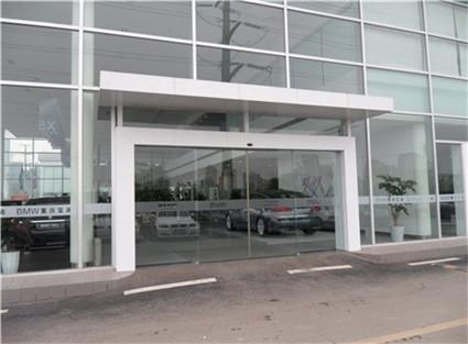 宝马汽车4S店自动平滑门安装